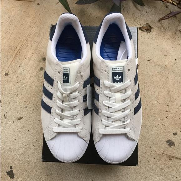 buy popular 61b84 6f073 NWT Adidas Superstar Vulc Adv Shoe NWT
